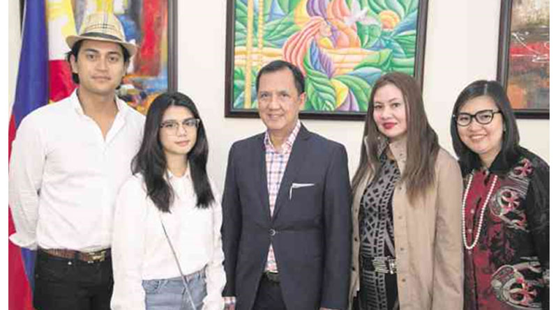 At First Hand: Photo Exhibit Records OFW Plight in Paris